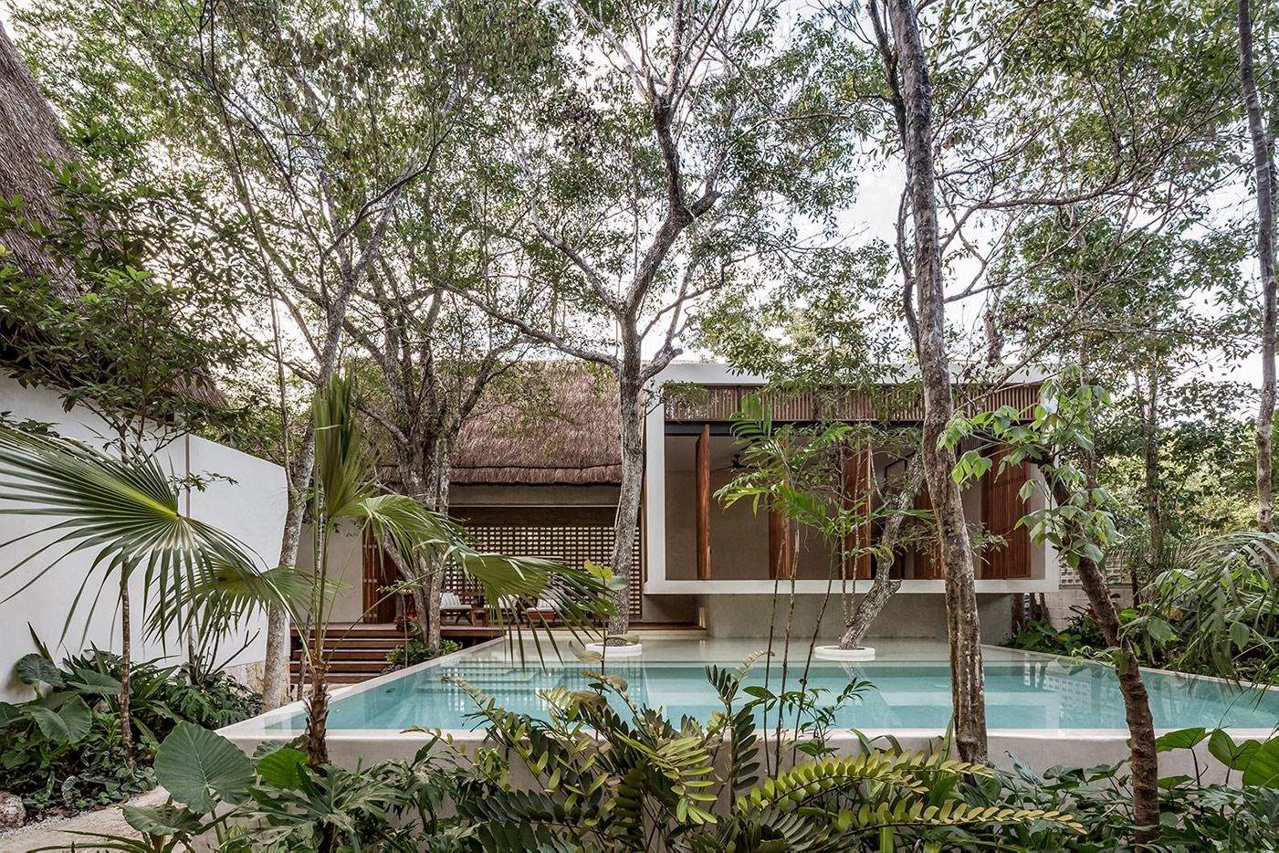 Jungle Keva Tulum - View of lodge with pool